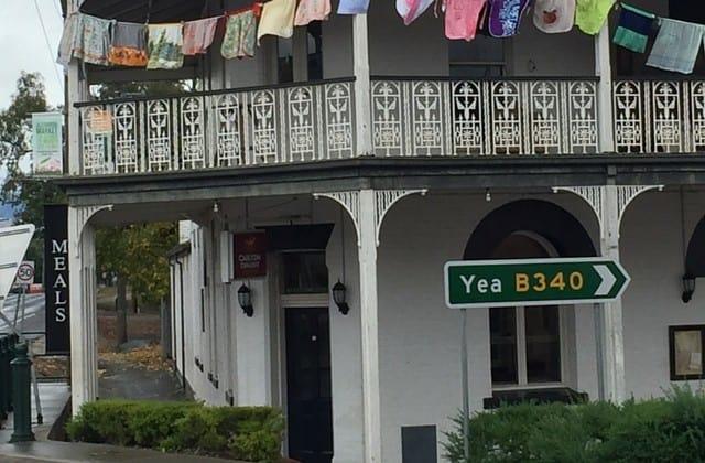 Alexandra Hotel Outside